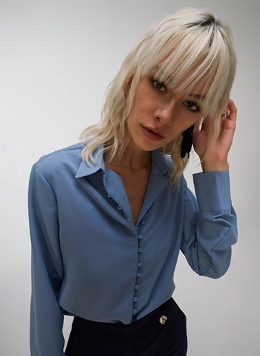 People By Fabrika Düğme Detaylı Bluz Mavi